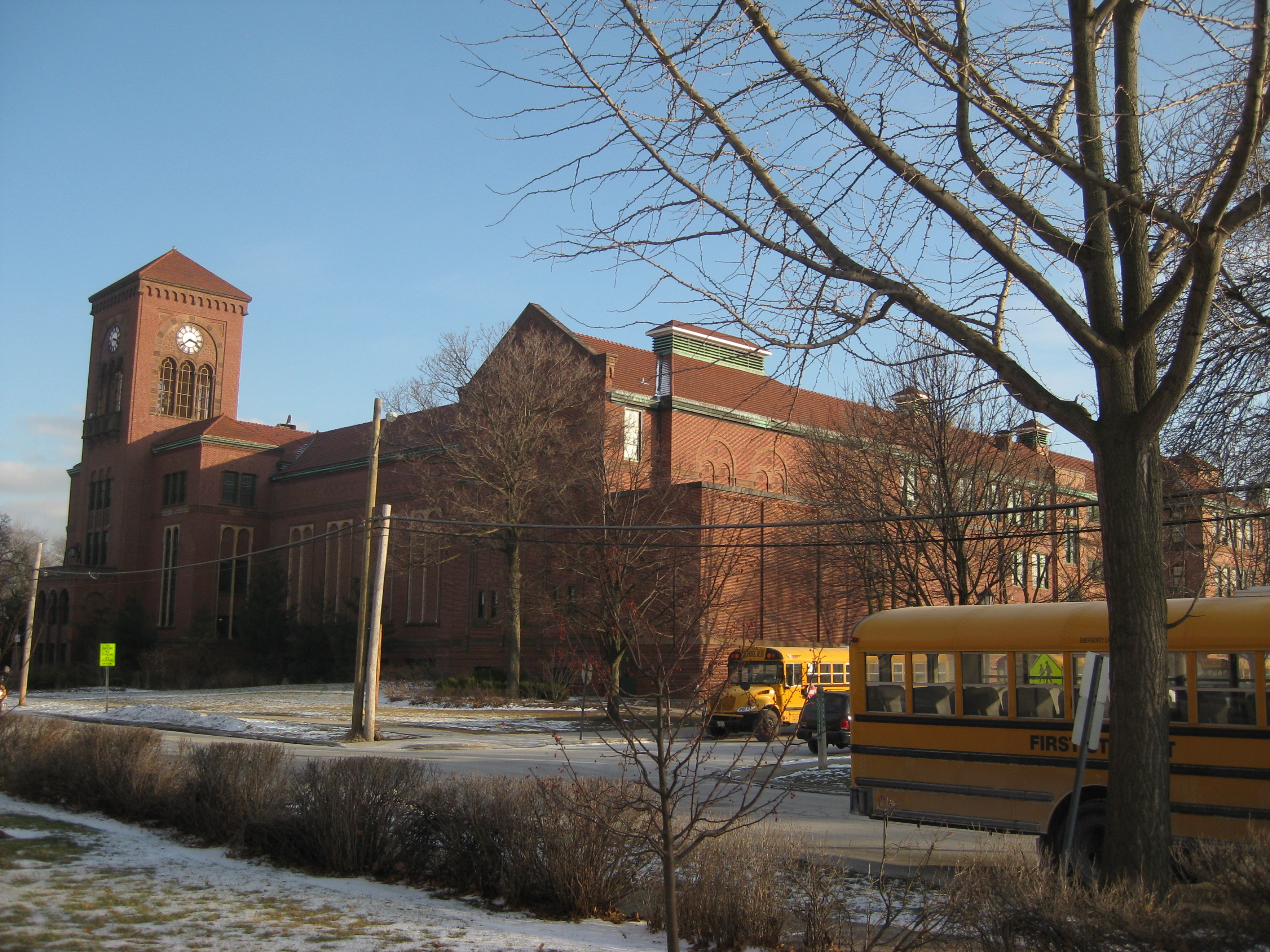 LYONS TOWNSHIP SCHOOL CHICAGO